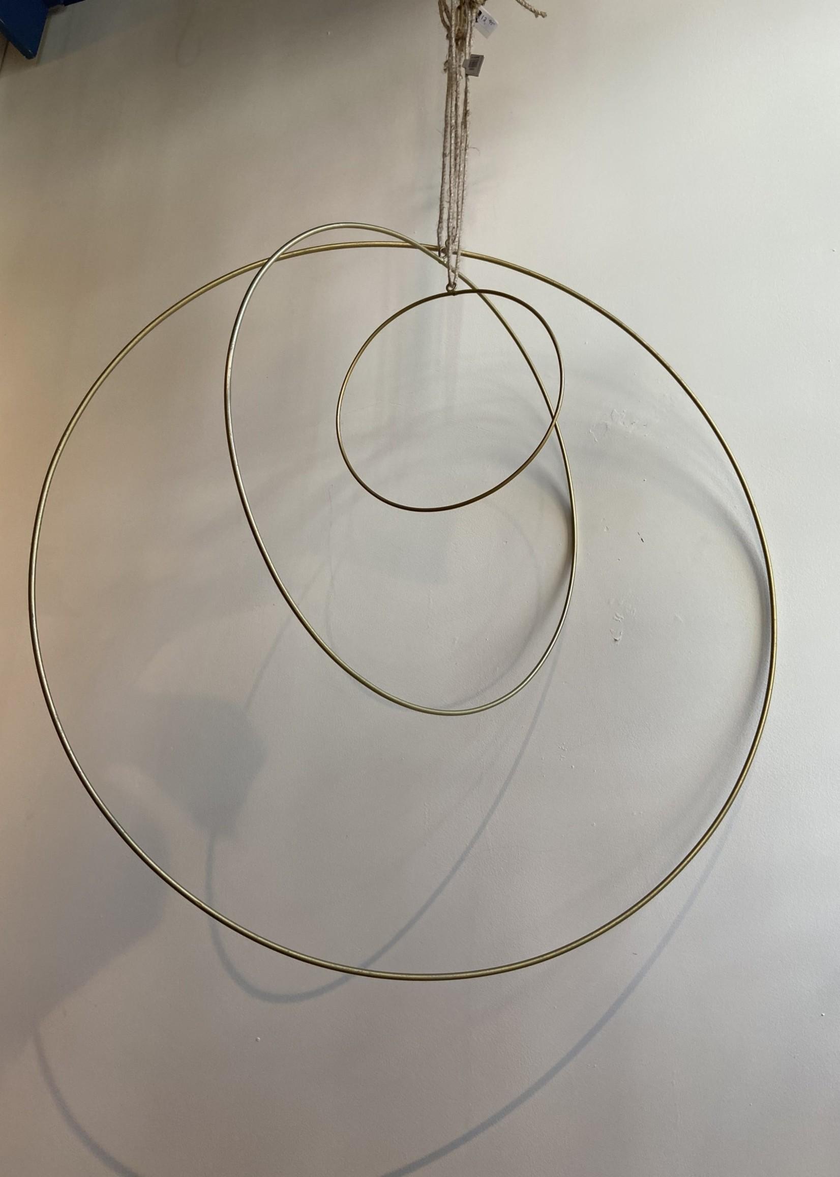 Madam Stoltz Ring of Krans GOUD XL 40 cm