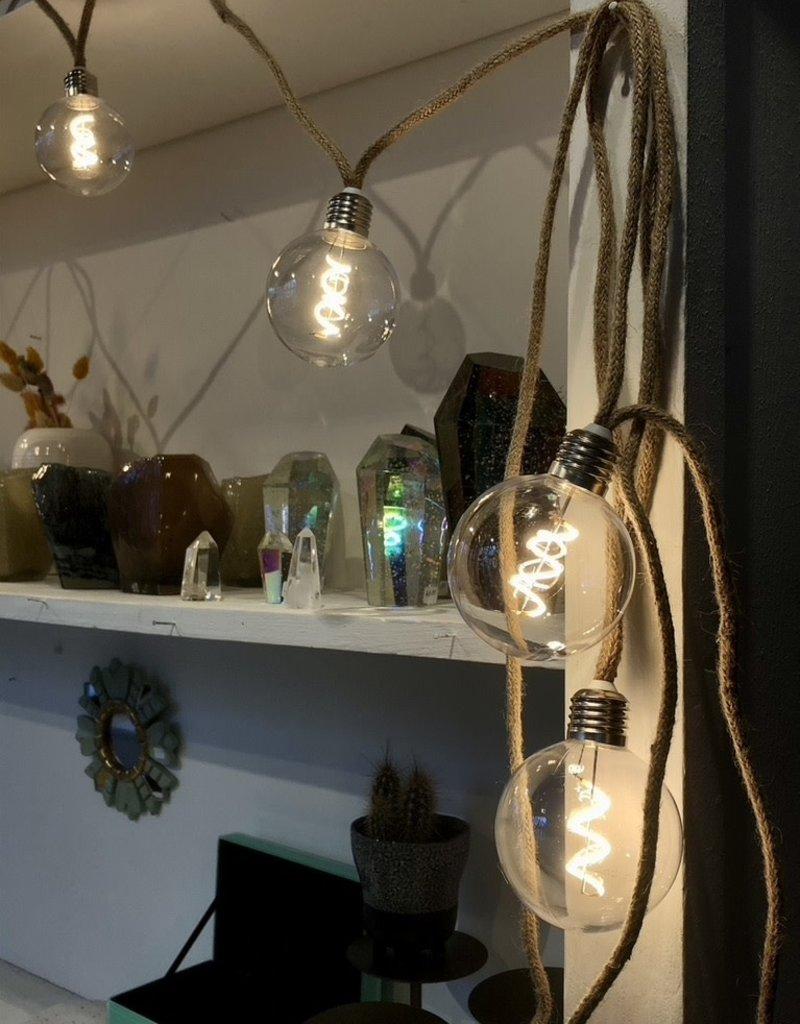 Madam Stoltz Slinger van jute met lampjes