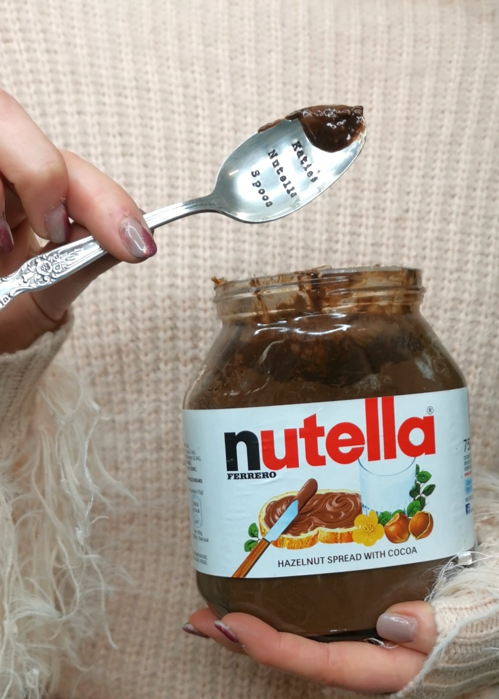 LA DE DA! Lepel THERE IS NOTHING NUTELLA and a spoon can't fix