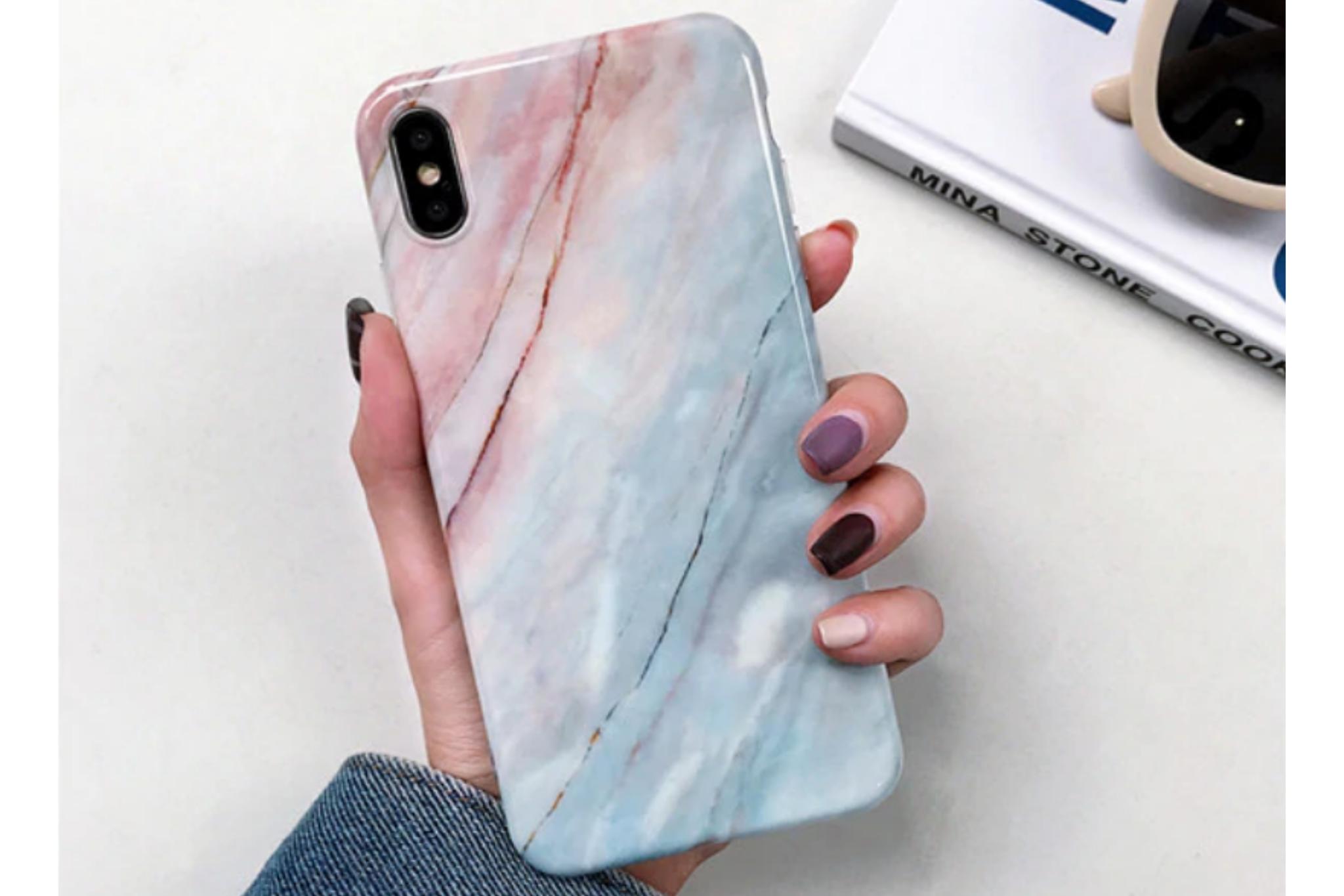 Smartphonehoesje iPhone 12 (pro) | Marmerlook | Blauw roze