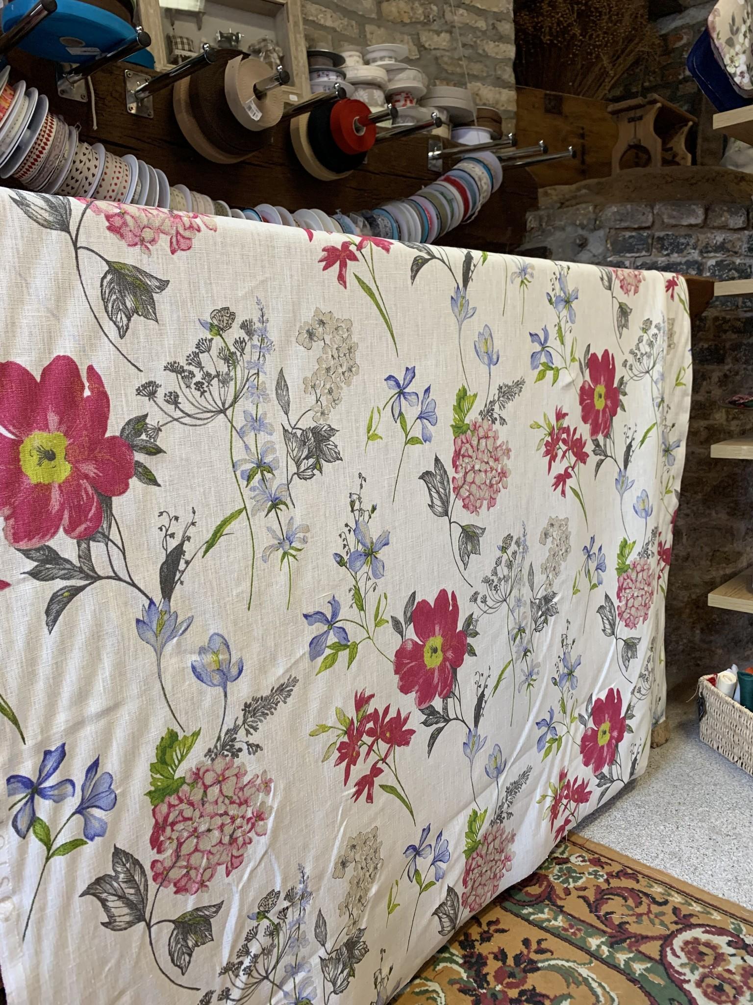 """Le grenier du lin Fabric """"Fieldflowers"""""""