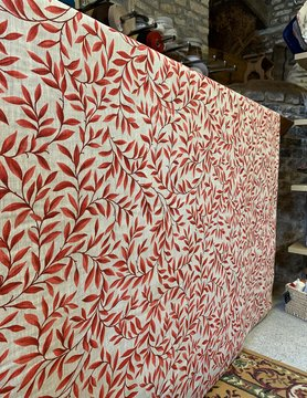 "Le grenier du lin Fabric ""Leaves red"""