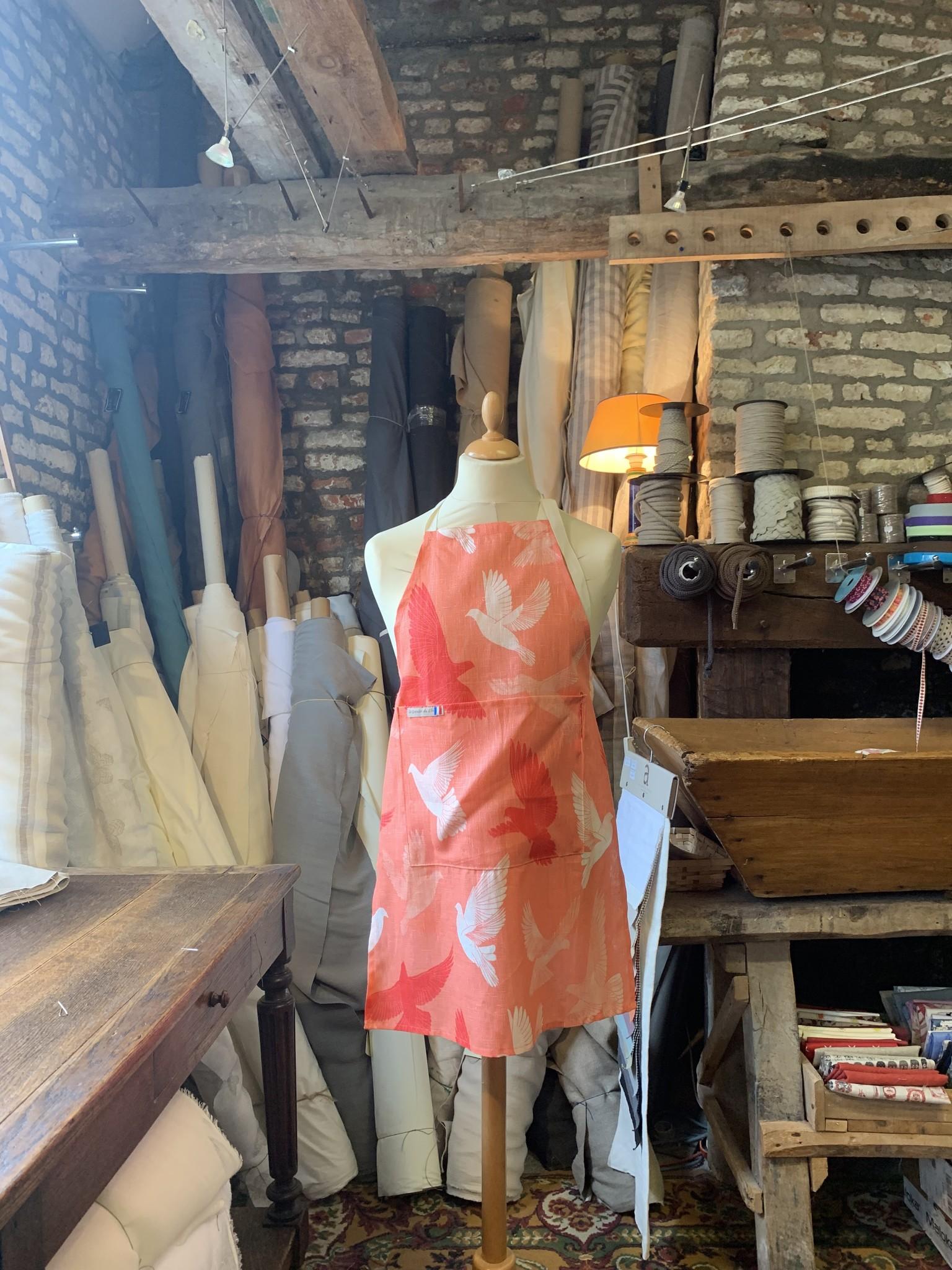 Le grenier du lin Apron orange doves
