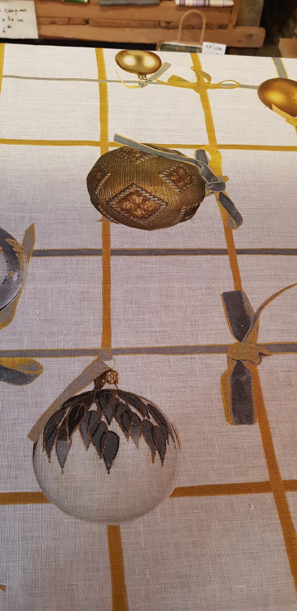 Le grenier du lin Tafelkleed met kerstballen