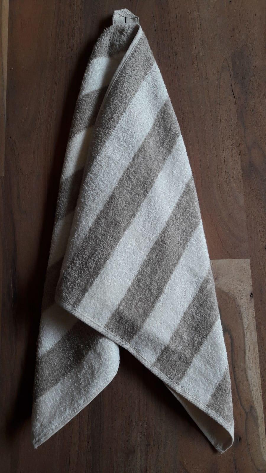 Le grenier du lin bath towel 70 x 140