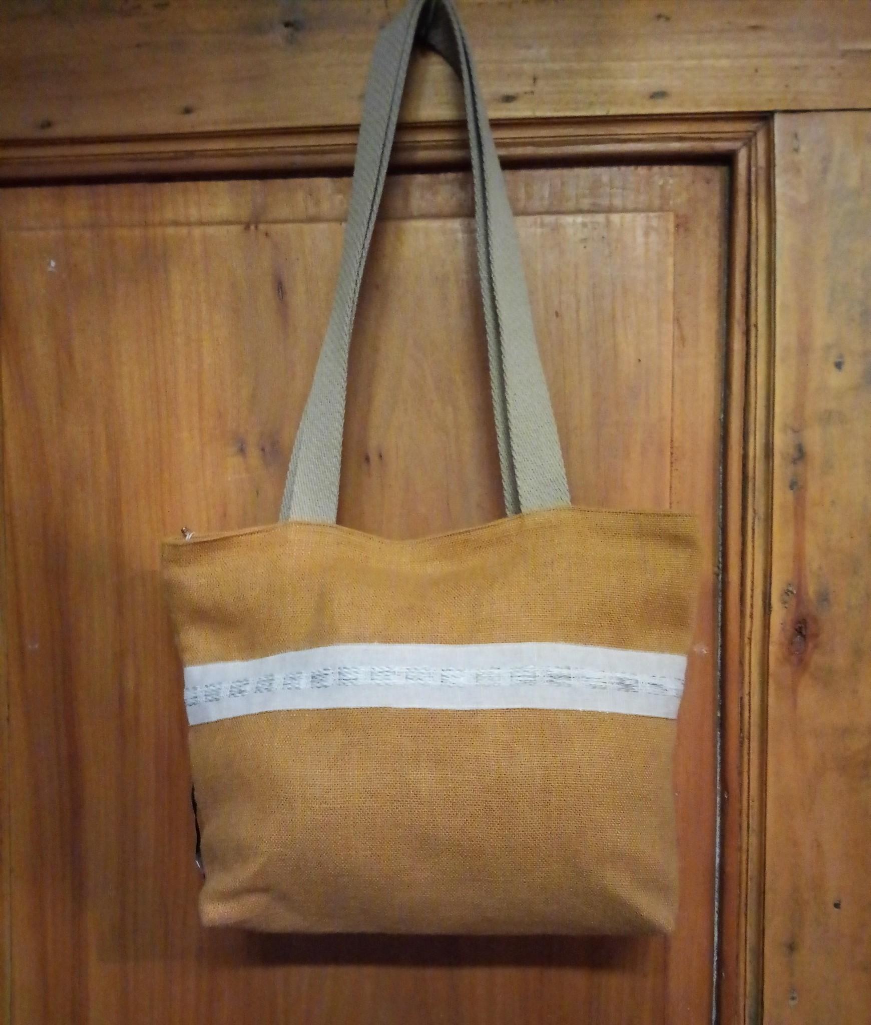 """Le grenier du lin Linen handbag with """"ochre"""" braid"""