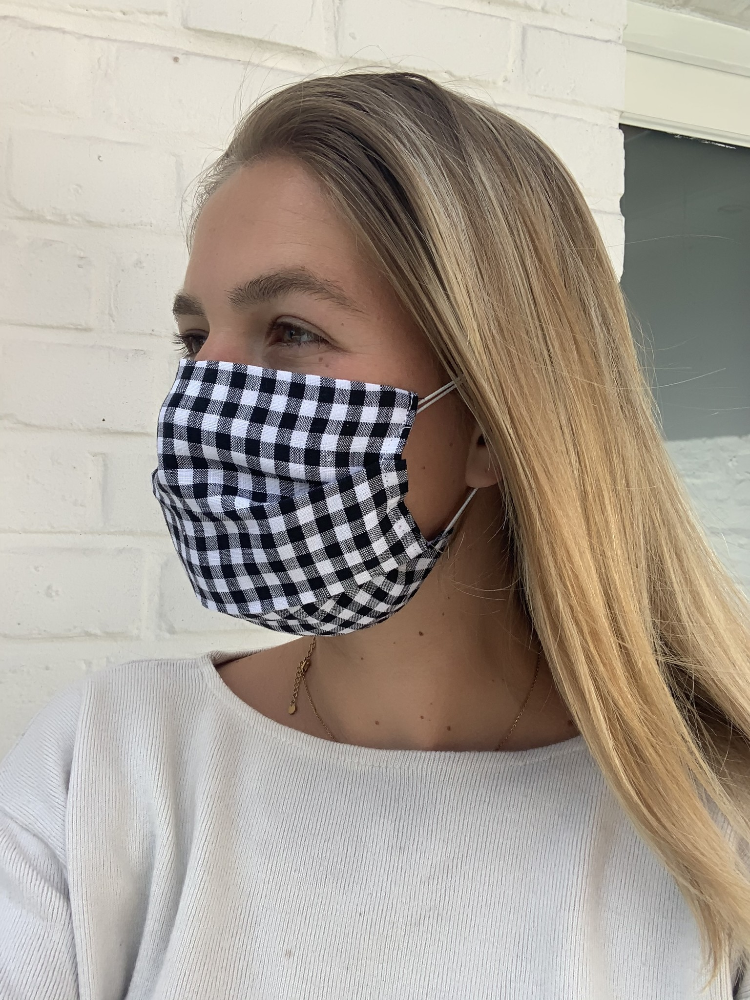 Black and white Vichy mask