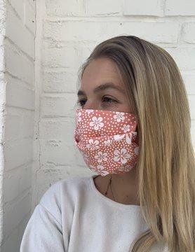"""Masque """"Orange à fleurs blanches"""""""