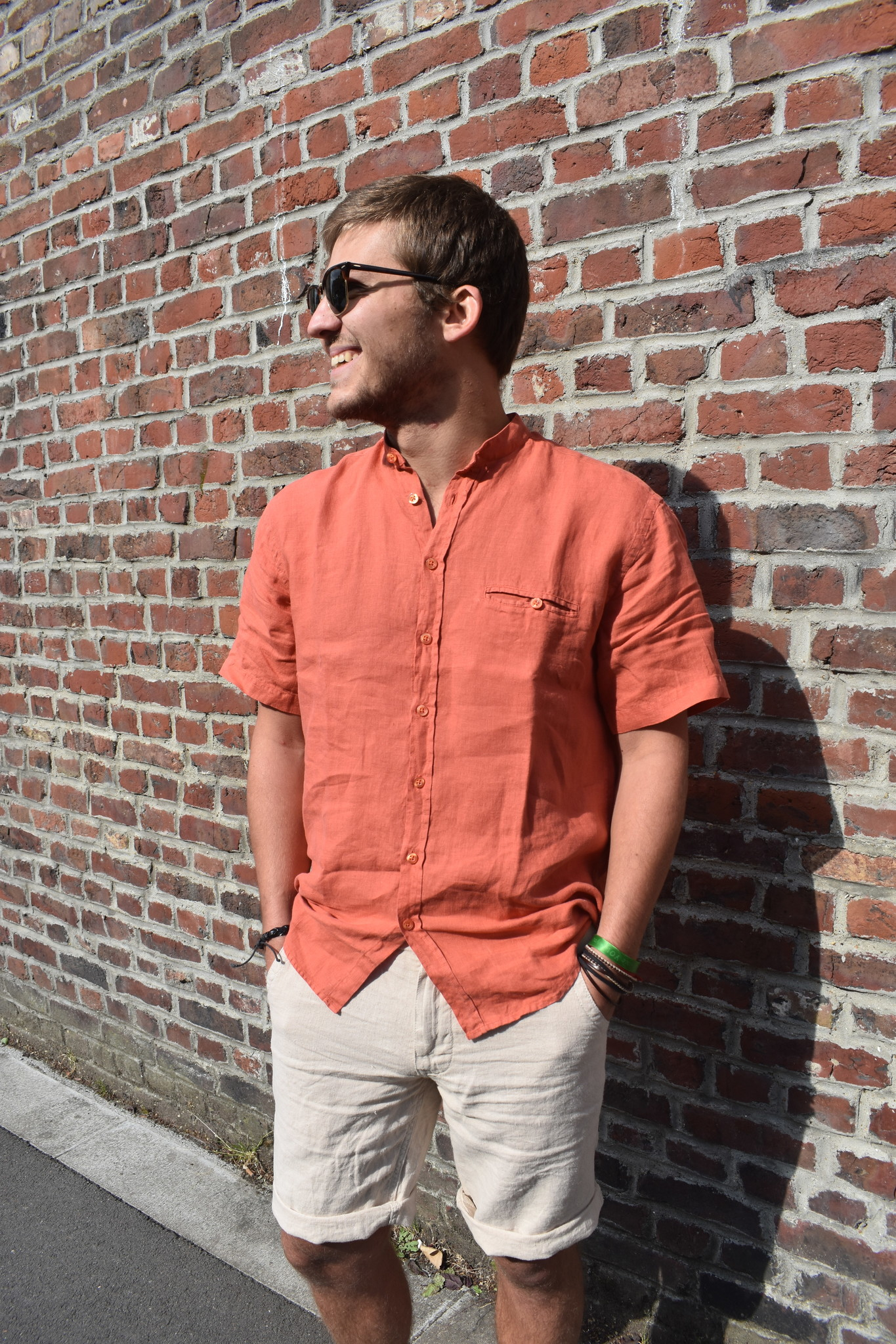 Shirt with officer collar, short sleeves, apricot