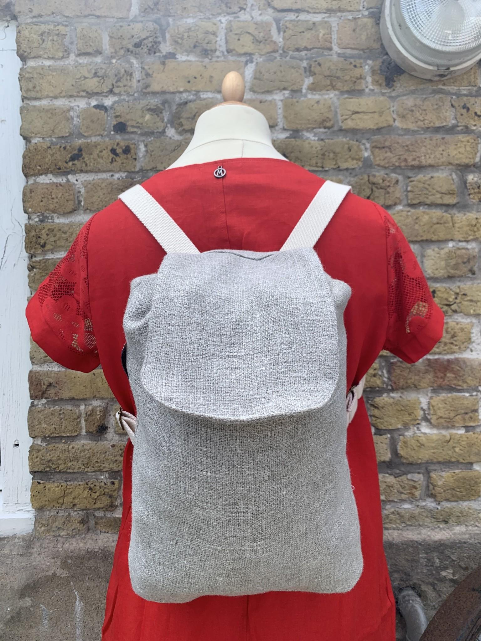 Le grenier du lin Backpack in light grey linen