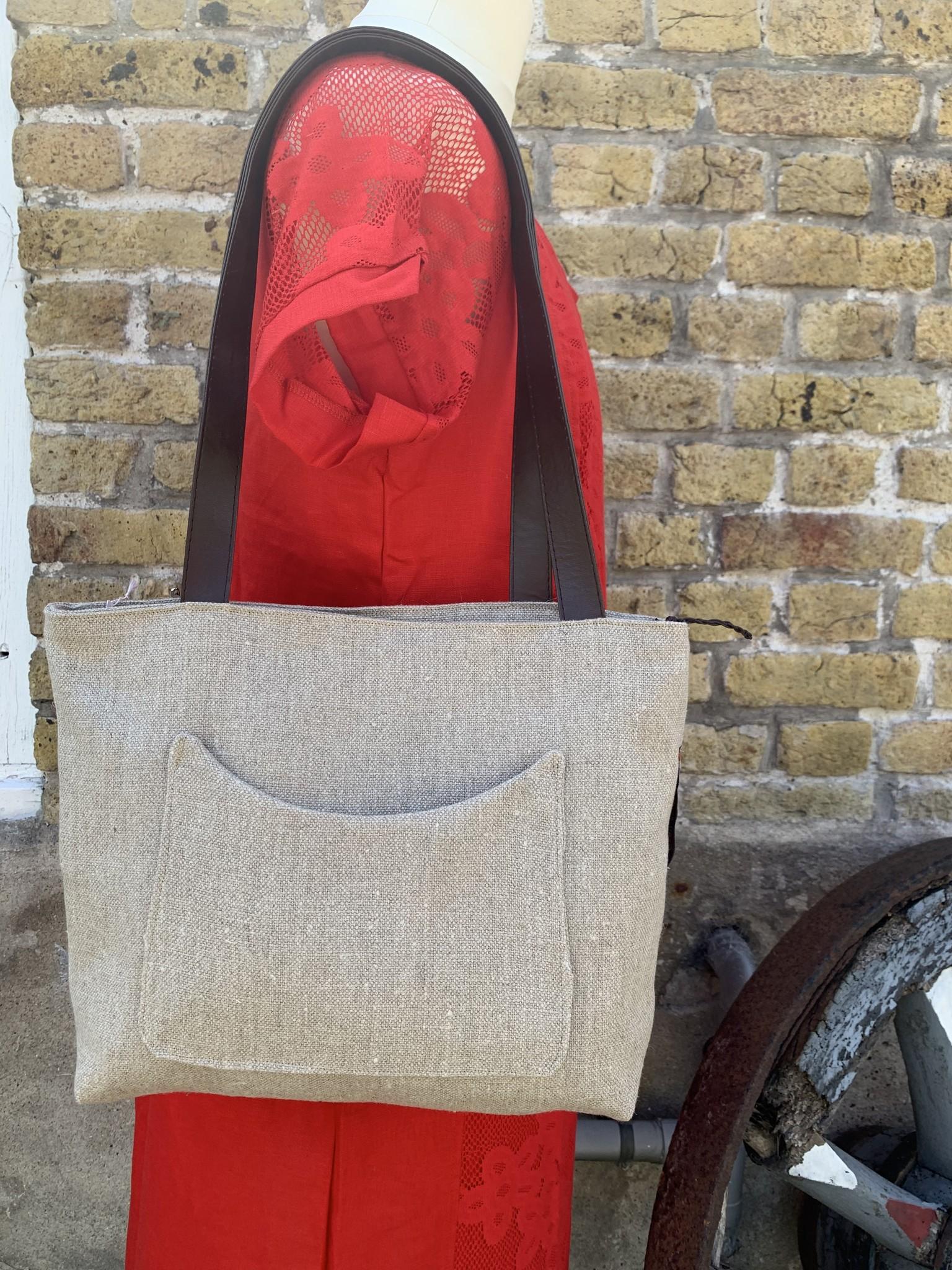 Le grenier du lin Beige linen bag with front pocket