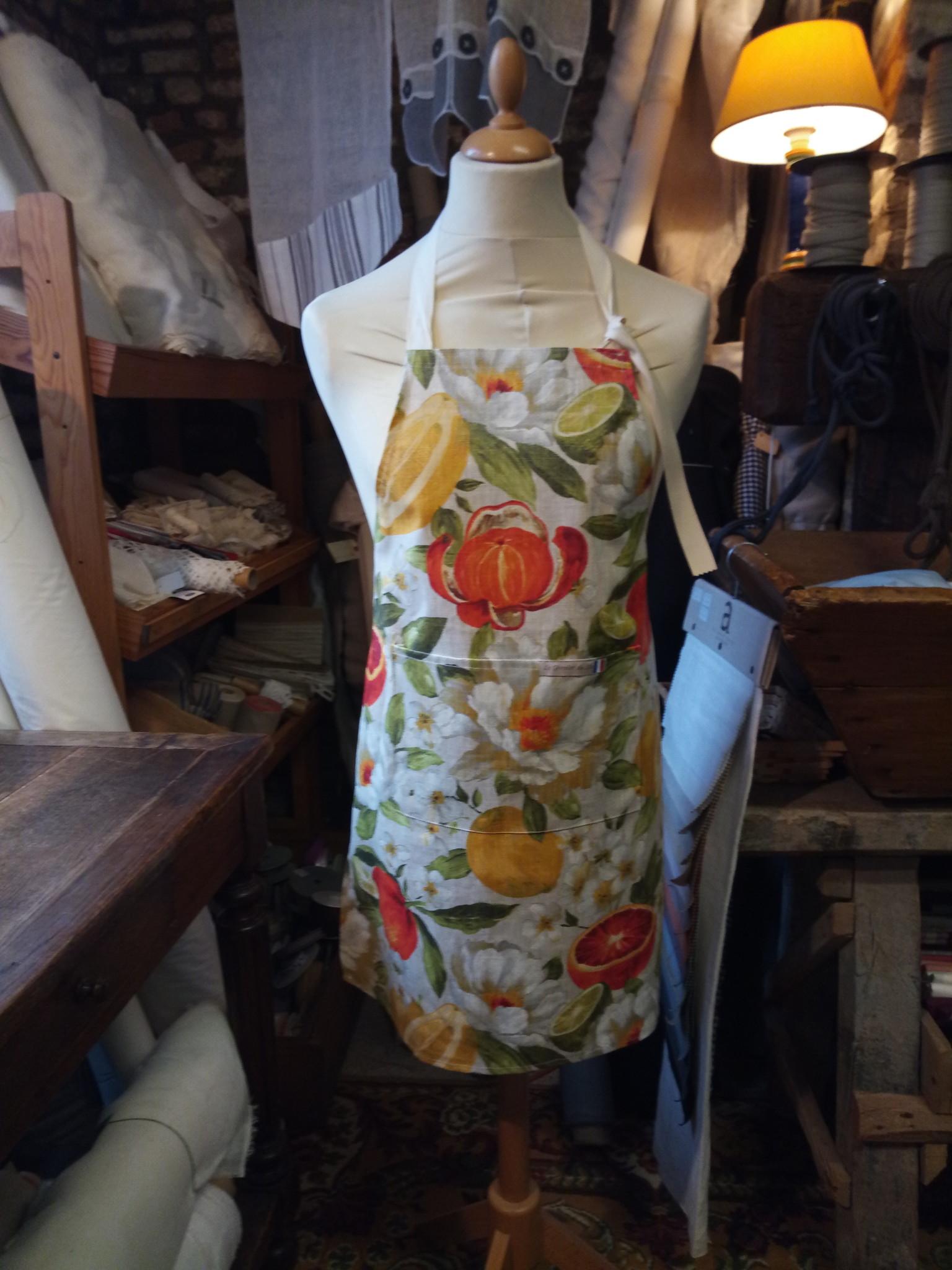 """Le grenier du lin Linen apron with """"fruit"""" coating"""