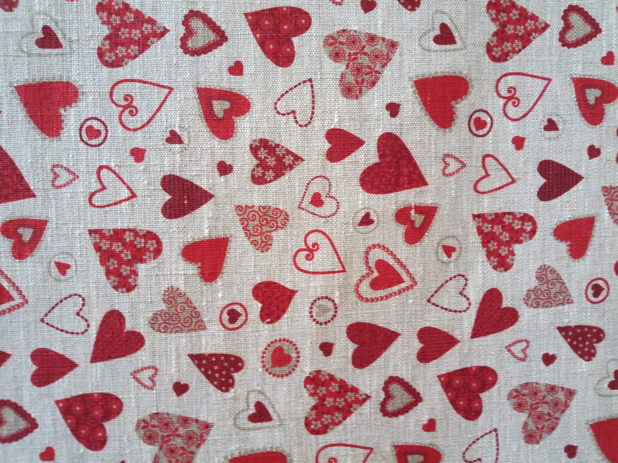tissu p'tits coeurs rouges