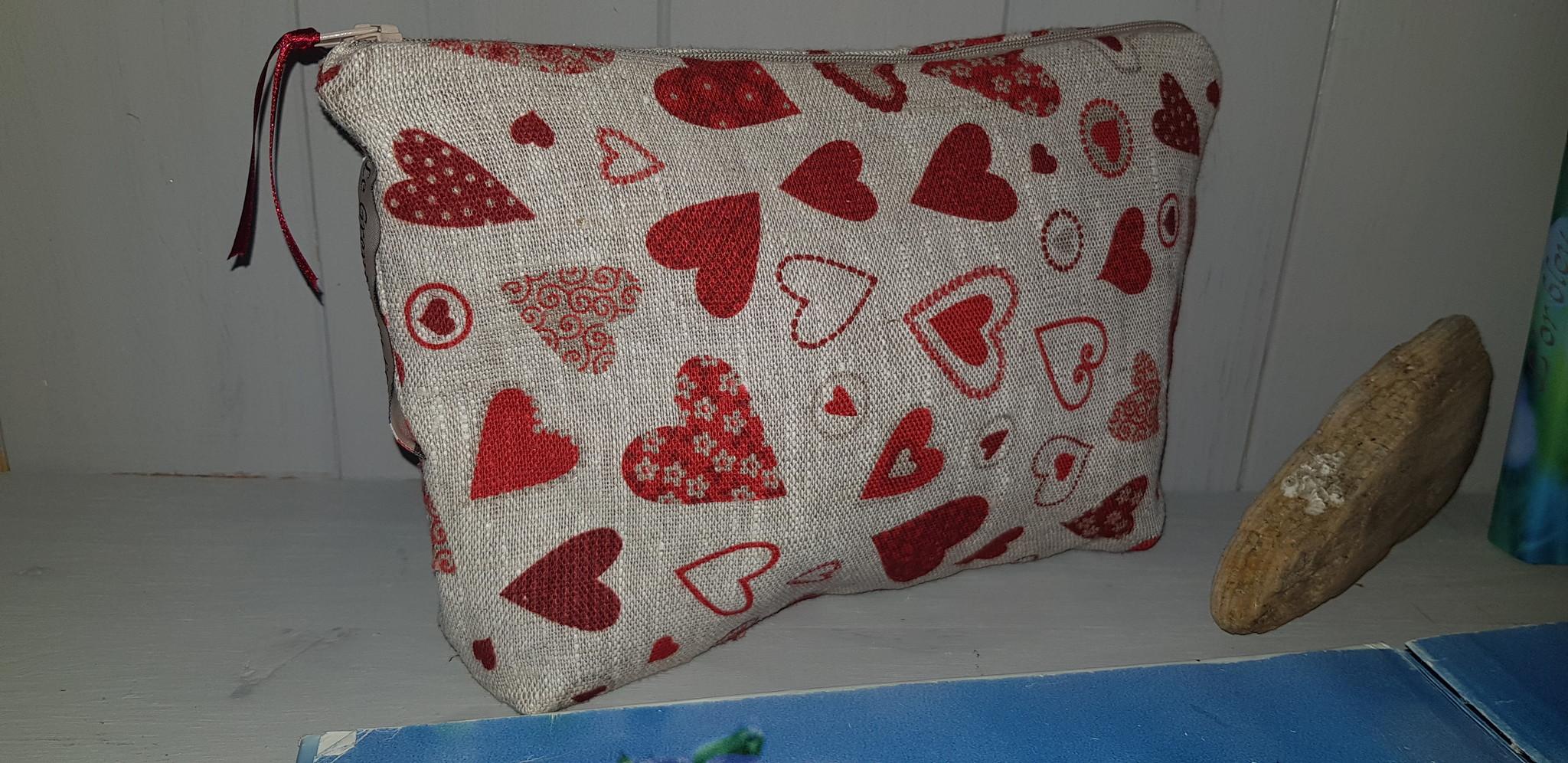 "Le grenier du lin small ""heart"" kit"