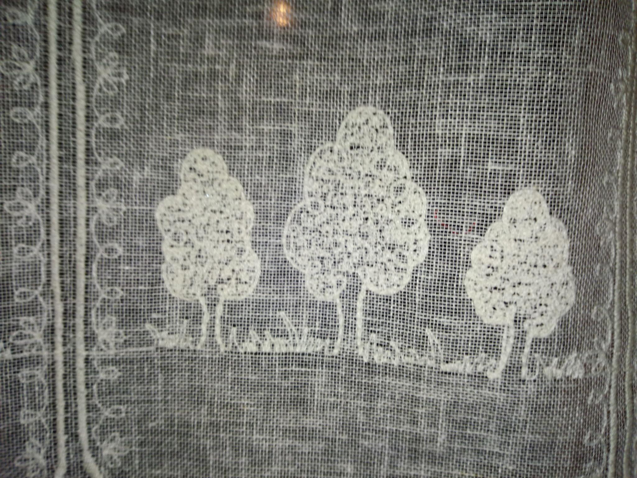 gordijn met geborduurde bomen 60 cm hoog