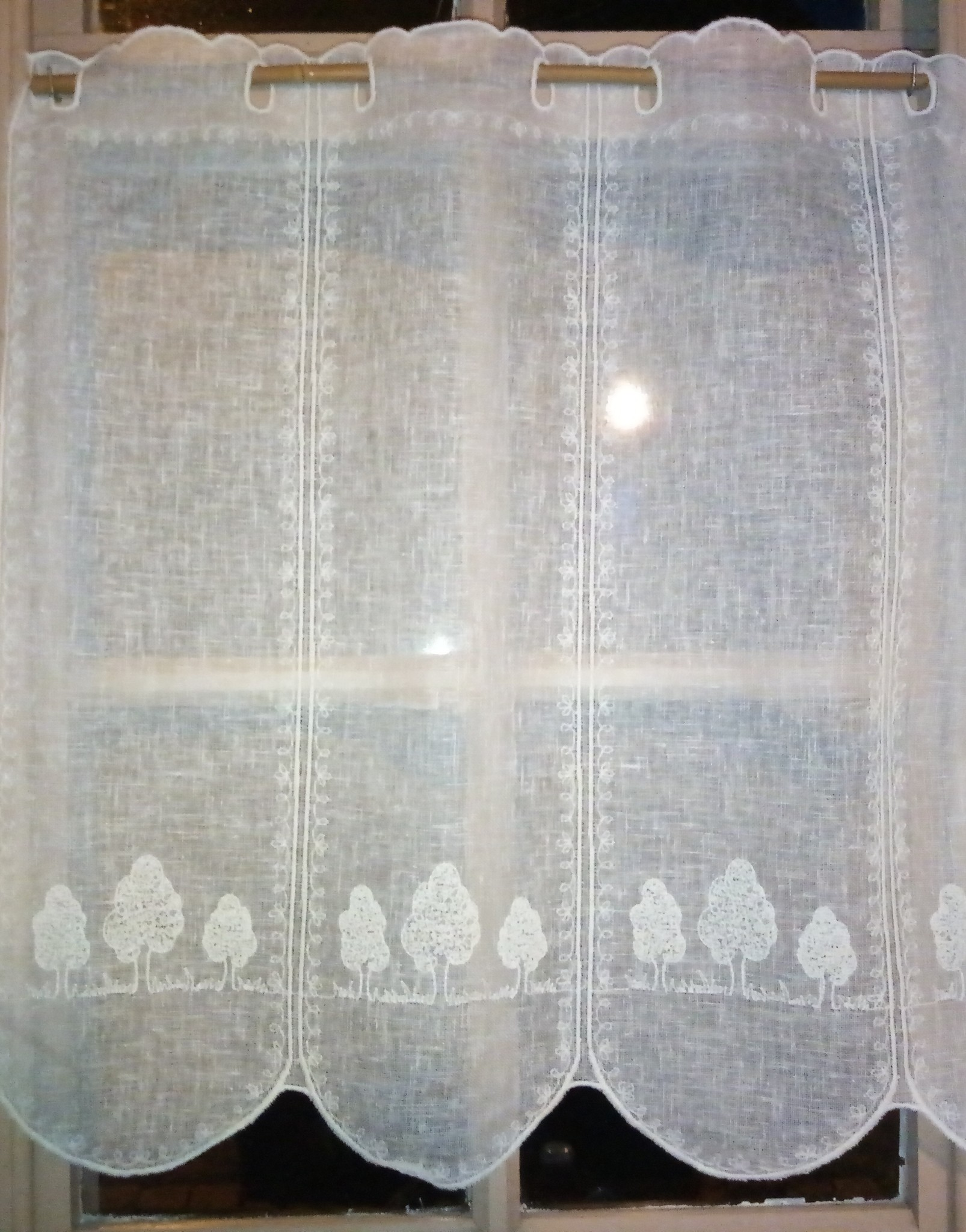 curtain with embroidered trees 60 cm high