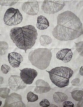 """Tissu """" feuillage gris """""""