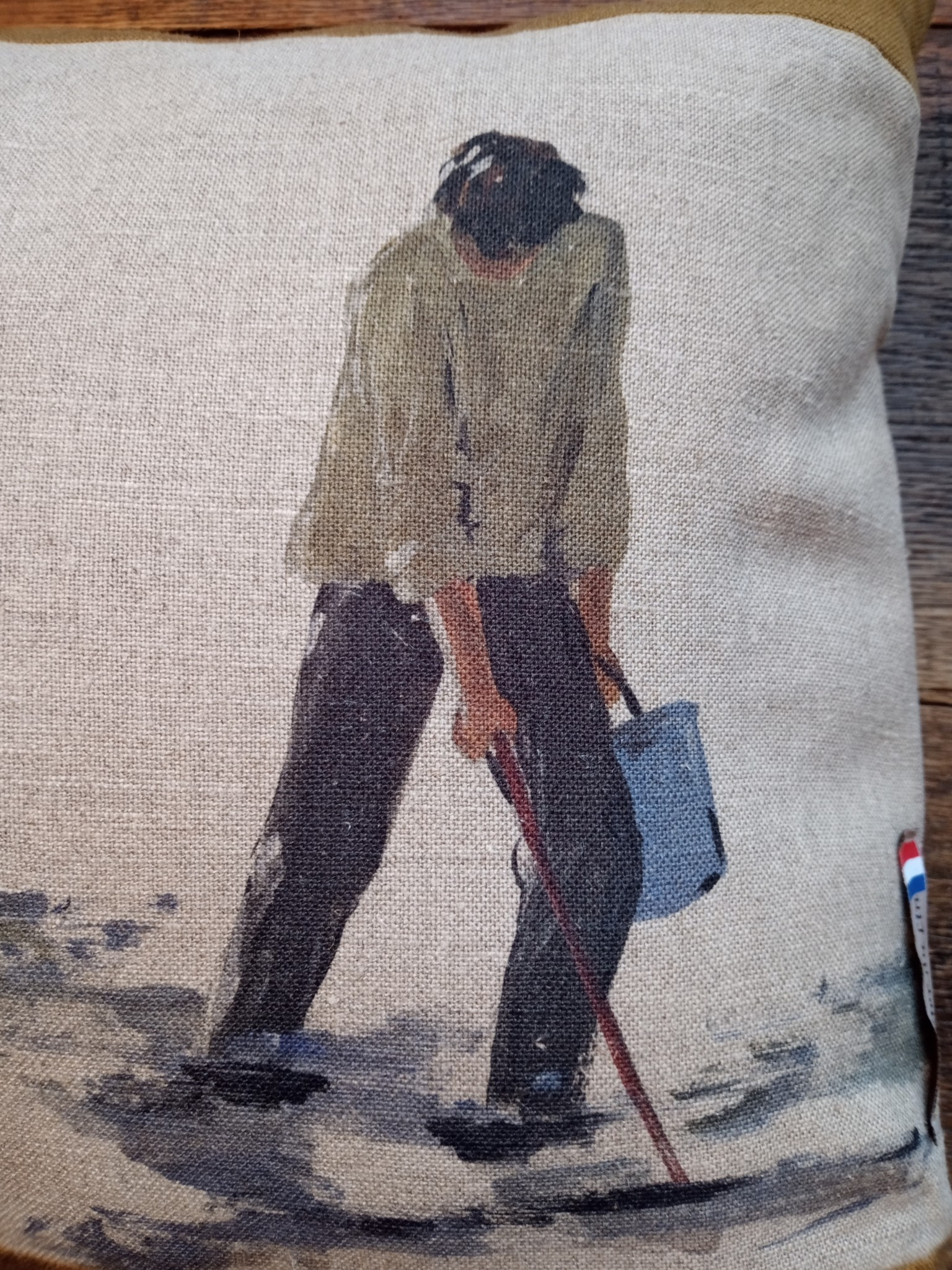 "Rectangular ""fisherman"" cushion"