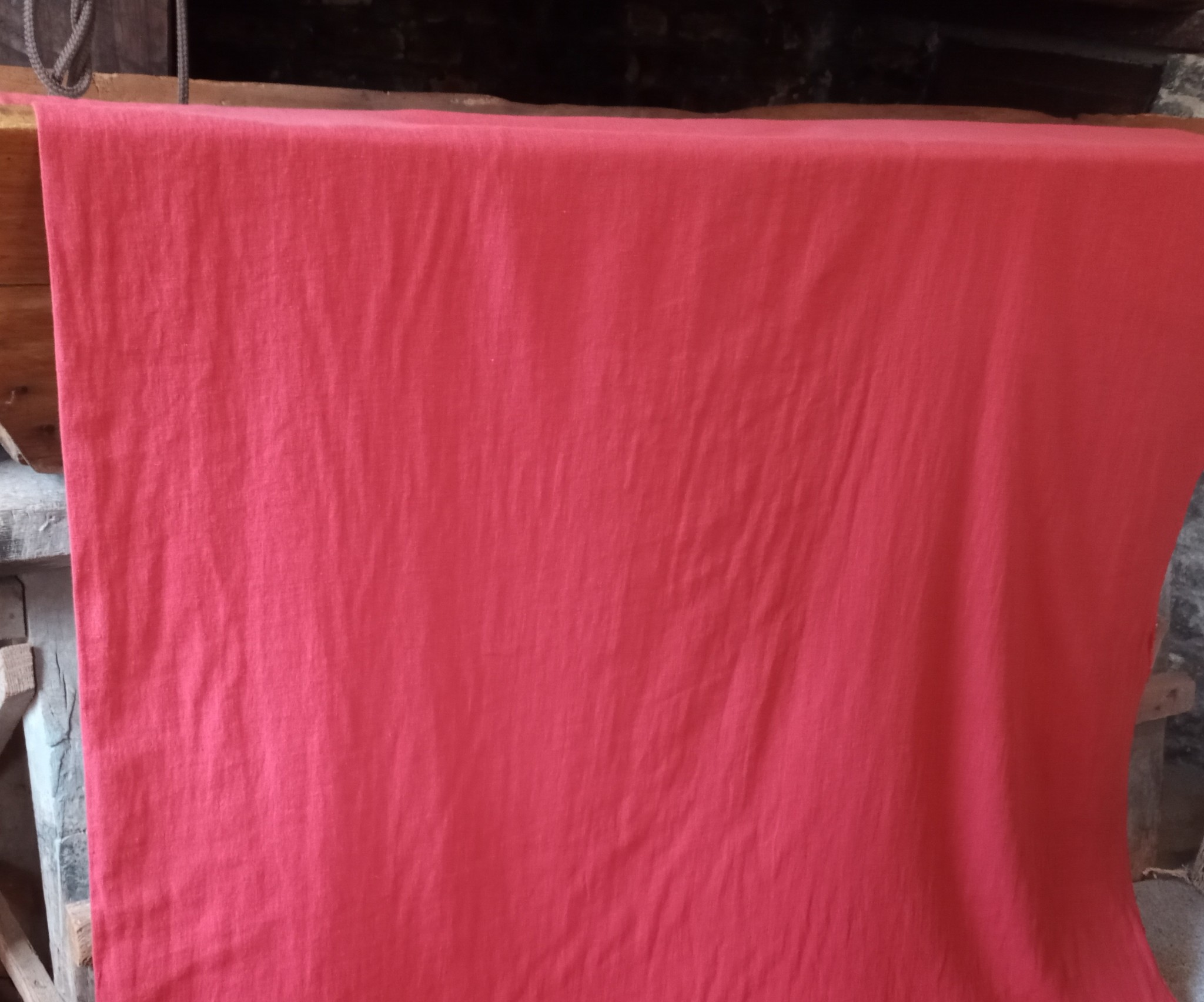 Tissu lin lavé rouge grande largeur