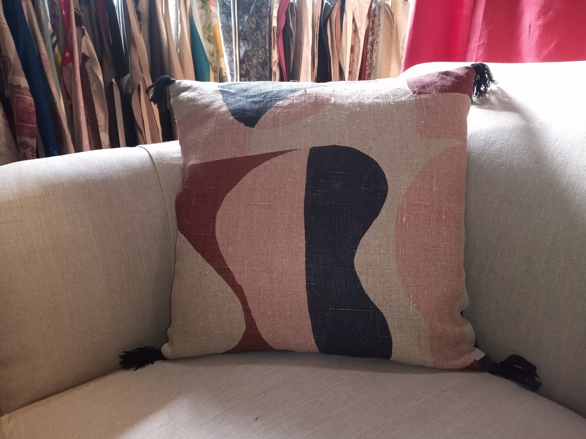 NIDO square cushion