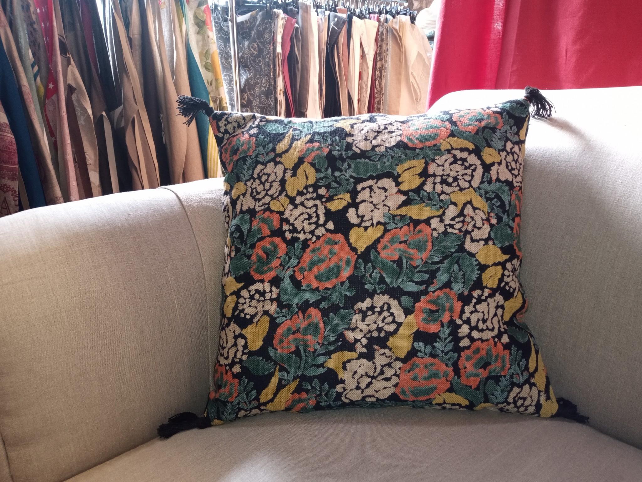 square cushion CORON