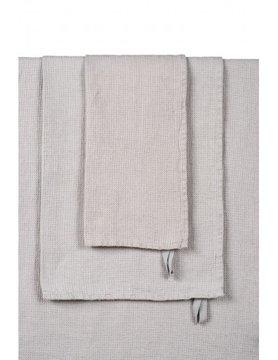 linen-coloured bath towel