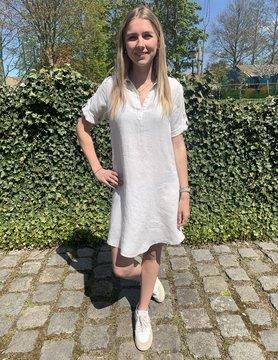 Le grenier du lin Licht beige Lia jurk