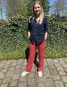 Women's trousers red