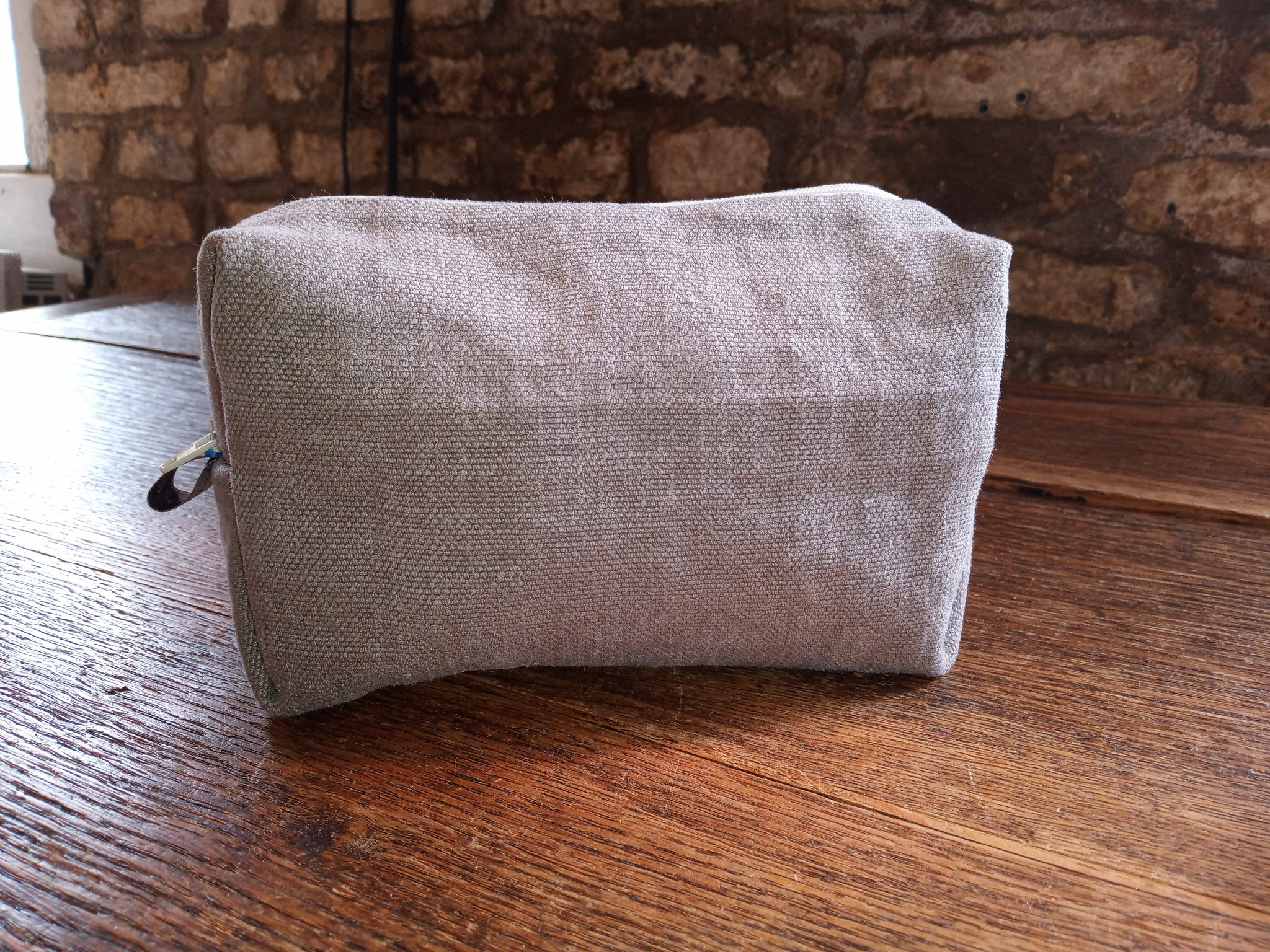 taupe linen case