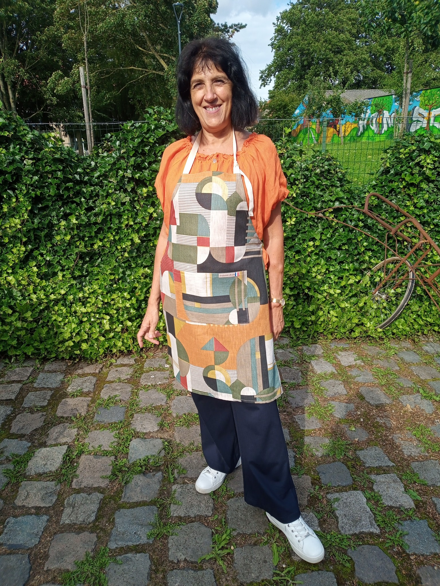 Le grenier du lin Linen apron model delaunay