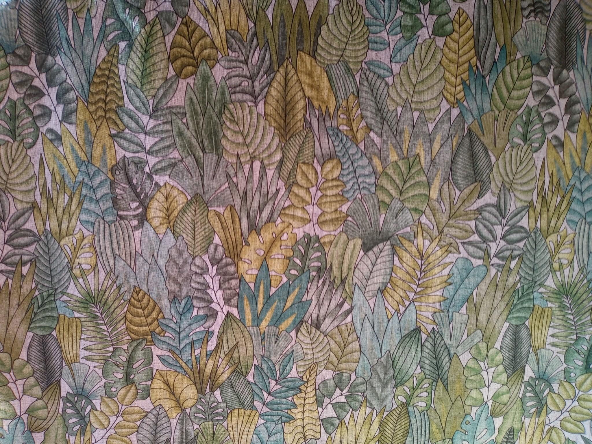 Linnen stof met groene en gouden bladeren