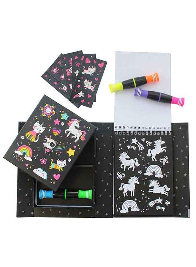Neon Colouring Sets/Unicorn&Friend