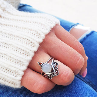 Moonstone ring Grace