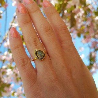 Moonstone teardrop ring - goldplated