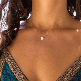 PRE-ORDER! Hamsa ketting opal white - goud