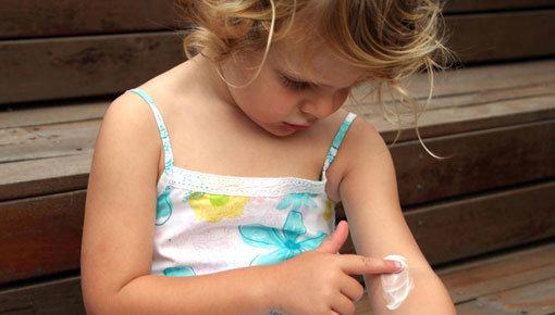Gels de bain/douche et crèmes pour le corps adaptés aux enfants de 4 à 12 ans