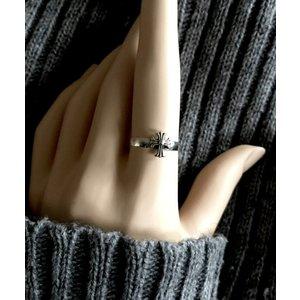 Zilveren ring Gothic