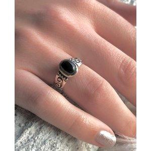 Zilveren ring met Black Onyx steen