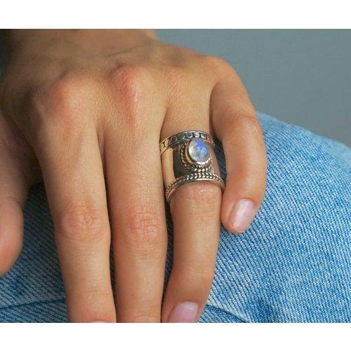 Zilveren Bali style BOHO ring Moonstone