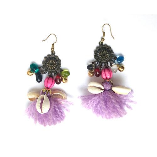 Hippie BOHO oorbellen met lila tassels