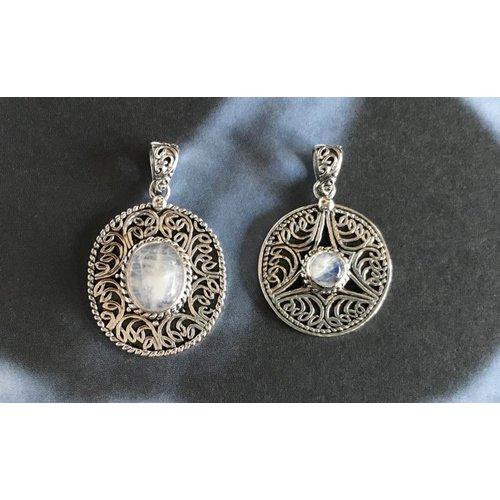 Zilveren edelsteen moonstone pendant