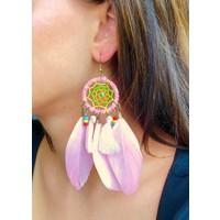 Feather dreamcatcher oorbellen roze