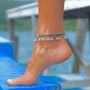 Enkelbandje turquoise Ibiza belletjes