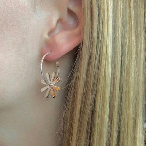 Zilveren oorbellen flower power