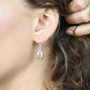 Zilveren oorbellen seashell