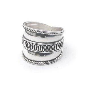 Zilveren Bali ring Putu
