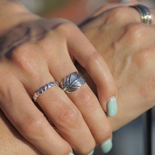 Zilveren feather ring