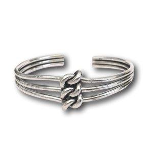 Zilveren klemarmband Triple Knot
