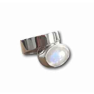 Zilveren ring Maansteen Moya