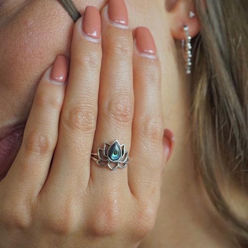 Zilveren ring Lotus Abalone